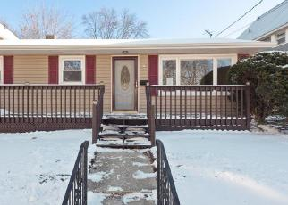 Foreclosed Home in Manitowoc 54220 S 26TH ST - Property ID: 4315127122
