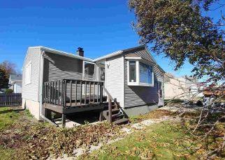 Foreclosed Home in Algoma 54201 NAVARINO ST - Property ID: 4315148152