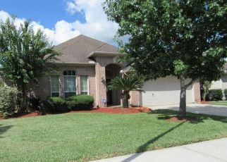Foreclosed Home in Pearland 77584 CHESTNUT CREEK WAY - Property ID: 4315243639