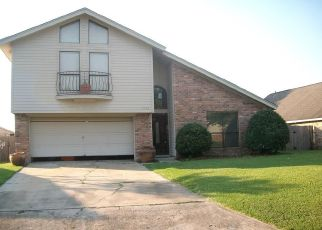 Foreclosed Home in Orange 77630 THUNDERBIRD DR - Property ID: 4315246257