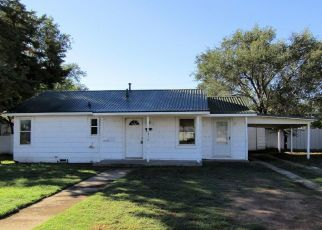 Foreclosed Home in Levelland 79336 12TH ST - Property ID: 4315253717
