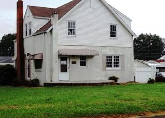 Foreclosed Home in Kingsport 37664 OAKDALE RD - Property ID: 4315319854