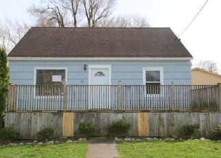 Foreclosed Home in Lockport 14094 CORINTHIA ST - Property ID: 4315392549