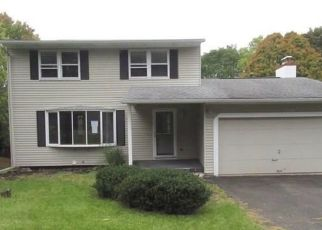 Foreclosed Home in Syracuse 13219 TERRY RD - Property ID: 4315396938