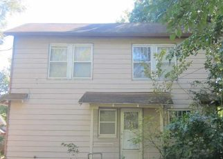 Foreclosed Home in Newton 67114 E 6TH ST - Property ID: 4315561157