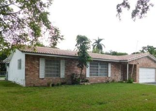 Foreclosed Home in Fort Lauderdale 33317 RENMAR DR - Property ID: 4315648768