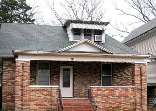 Foreclosed Home in Centralia 62801 N PINE ST - Property ID: 4315772713