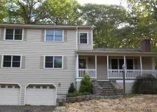 Foreclosed Home in Monroe 06468 WEBB CIR - Property ID: 4315791541
