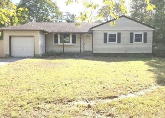 Foreclosed Home in Bohemia 11716 ISLAND BLVD - Property ID: 4315833593