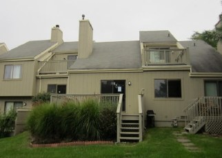 Foreclosed Home in Branford 06405 WATCH HILL RD - Property ID: 4315917233