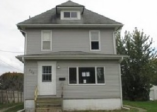 Foreclosed Home in Galesburg 61401 LINCOLN ST - Property ID: 4315969356