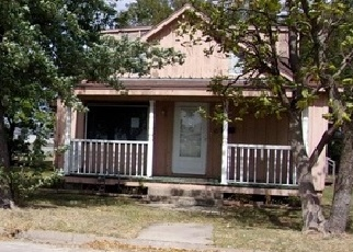 Foreclosed Home in Coffeyville 67337 W 10TH ST - Property ID: 4316037238