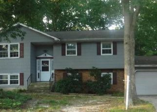 Foreclosed Home in Toms River 08755 JORDAN DR - Property ID: 4316231263