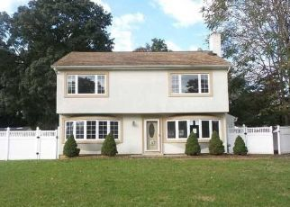 Foreclosed Home in Pompton Lakes 07442 SPRUCE RD - Property ID: 4316277697