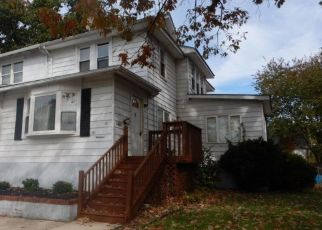 Foreclosed Home in National Park 08063 MONUMENT AVE - Property ID: 4316337250