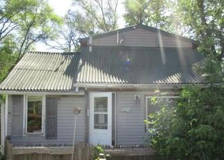 Foreclosed Home in Burlington 53105 WOODLAWN AVE - Property ID: 4316544413