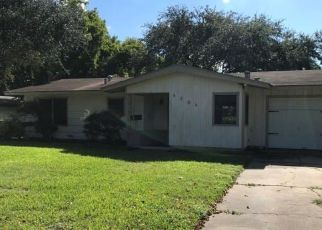 Foreclosed Home in Victoria 77904 EVERGREEN ST - Property ID: 4316658287