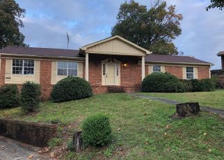 Foreclosed Home in Chattanooga 37412 GLEN OAKS TER - Property ID: 4316674499