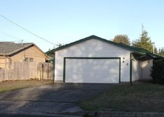 Foreclosed Home in Coos Bay 97420 SANFORD ST - Property ID: 4316689386