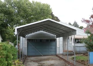 Foreclosed Home in Portland 97220 NE 105TH AVE - Property ID: 4316706469