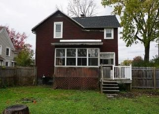 Foreclosed Home in East Syracuse 13057 W 2ND ST - Property ID: 4316801962