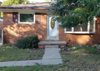 Foreclosed Home in Dearborn Heights 48127 NORBORNE AVE - Property ID: 4316949996