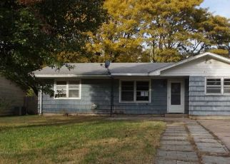 Foreclosed Home in Newton 67114 CENTRAL AVE - Property ID: 4316998151