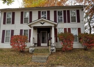 Foreclosed Home in Oskaloosa 52577 N 3RD ST - Property ID: 4317019624