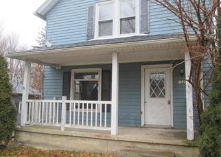Foreclosed Home in Rolling Prairie 46371 S PRAIRIE ST - Property ID: 4317026630
