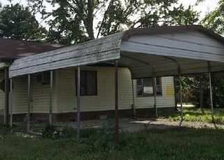 Foreclosed Home in Jasonville 47438 S KENTUCKY ST - Property ID: 4317030121