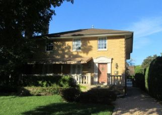 Foreclosed Home in River Forest 60305 LATHROP AVE - Property ID: 4317076558