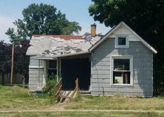 Foreclosed Home in Paris 61944 E WOOD ST - Property ID: 4317087956