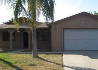Foreclosed Home in Reedley 93654 S CEDAR AVE - Property ID: 4317243872