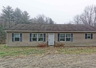 Foreclosed Home in Middle Grove 12850 BILLS RD - Property ID: 4317334976
