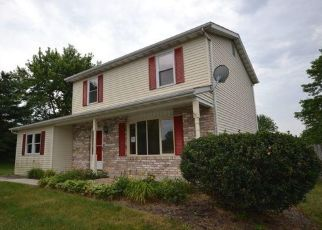 Foreclosed Home in Hanover 17331 BAIR CIR - Property ID: 4317414678