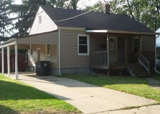 Foreclosed Home in Akron 44305 KICKAPOO AVE - Property ID: 4317754540