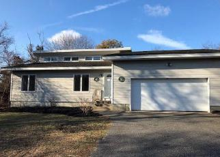 Foreclosed Home in Bayport 11705 CENTRAL AVE - Property ID: 4317766814