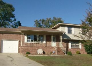 Foreclosed Home in Fayetteville 28306 STONEY POINT LOOP - Property ID: 4317818936