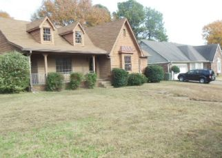 Foreclosed Home in Memphis 38125 COUNTRY OAKS CV - Property ID: 4317838638