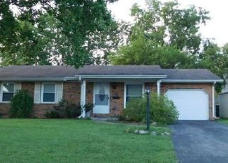 Foreclosed Home in Mascoutah 62258 W SOUTH ST - Property ID: 4317908262
