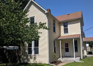Foreclosed Home in Caseyville 62232 N LONG ST - Property ID: 4317912656