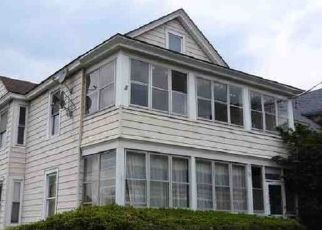 Foreclosed Home in Syracuse 13206 HILLSDALE AVE - Property ID: 4318233688