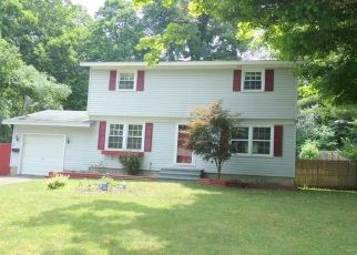 Foreclosed Home in Syracuse 13219 GORDON PKWY - Property ID: 4318235887