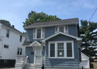 Foreclosed Home in Syracuse 13208 MEDFORD RD - Property ID: 4318239374