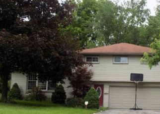 Foreclosed Home in Struthers 44471 HENRY DR - Property ID: 4318268730