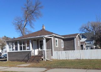Foreclosed Home in Mandan 58554 3RD AVE NW - Property ID: 4318355440