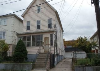Foreclosed Home in Elizabeth 07206 5TH ST - Property ID: 4318396617