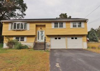 Foreclosed Home in Prospect 06712 SCOTT DR - Property ID: 4318409758