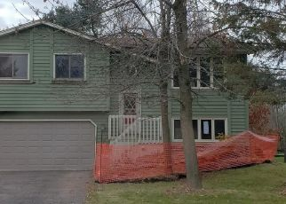 Foreclosed Home in Circle Pines 55014 ORANGE ST - Property ID: 4318598966