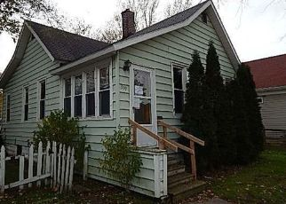 Foreclosed Home in Manistee 49660 3RD ST - Property ID: 4318647572